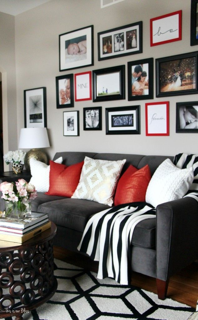 Adorable Black Living Room Ideas That Looks Cool20