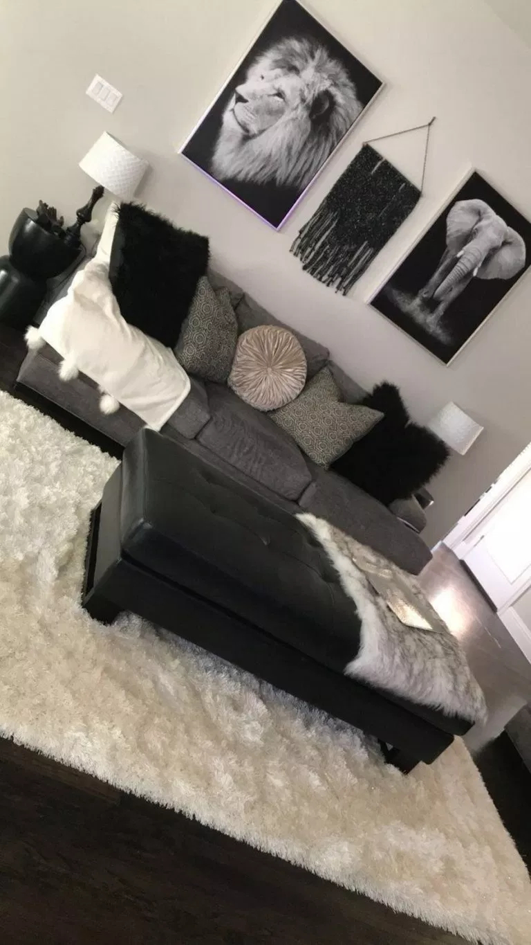Adorable Black Living Room Ideas That Looks Cool25