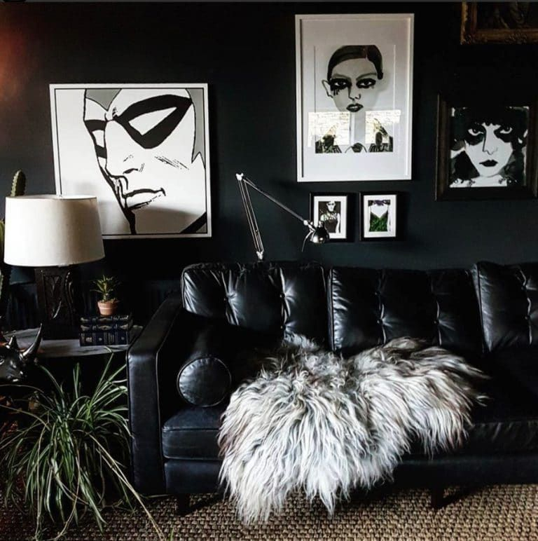 Adorable Black Living Room Ideas That Looks Cool44