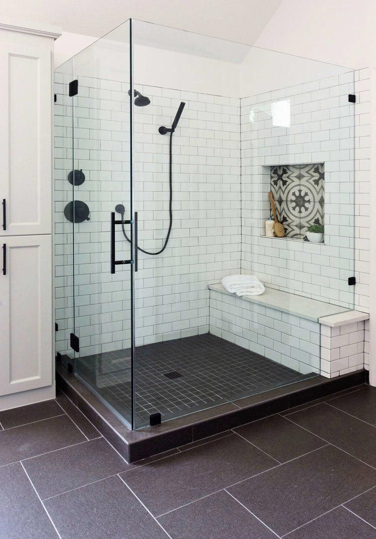 Fascinating Farmhouse Master Bathroom Remodel Ideas To Have Now05