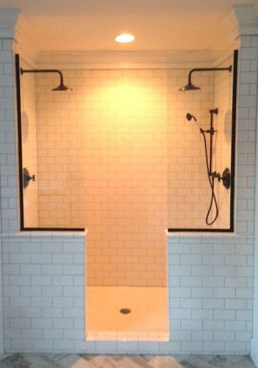 Fascinating Farmhouse Master Bathroom Remodel Ideas To Have Now09