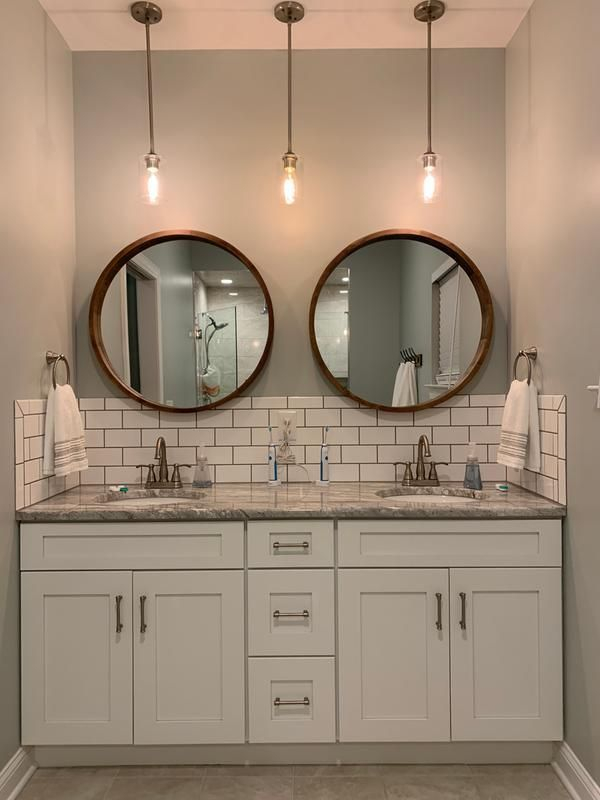 Fascinating Farmhouse Master Bathroom Remodel Ideas To Have Now31
