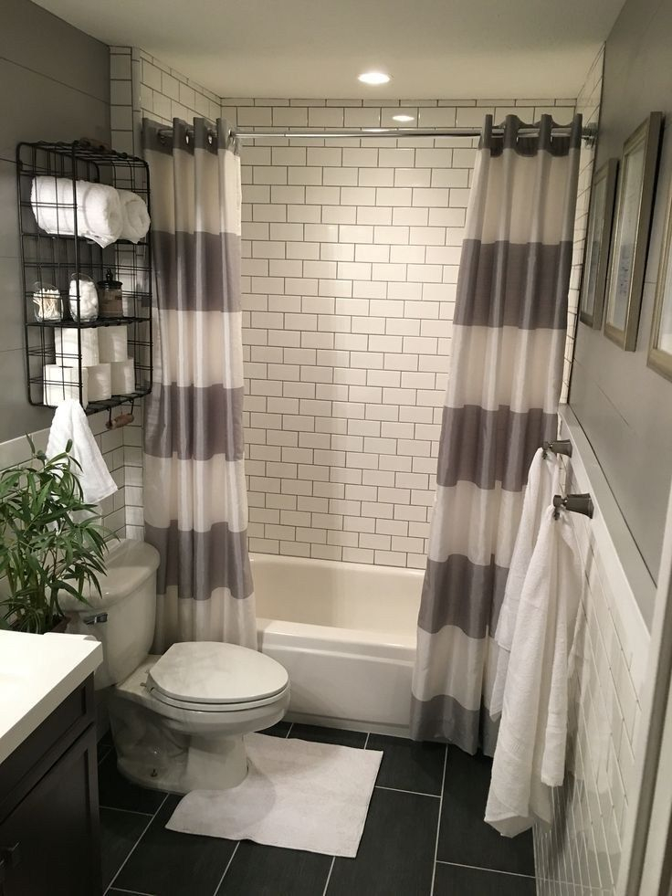 Fascinating Farmhouse Master Bathroom Remodel Ideas To Have Now39