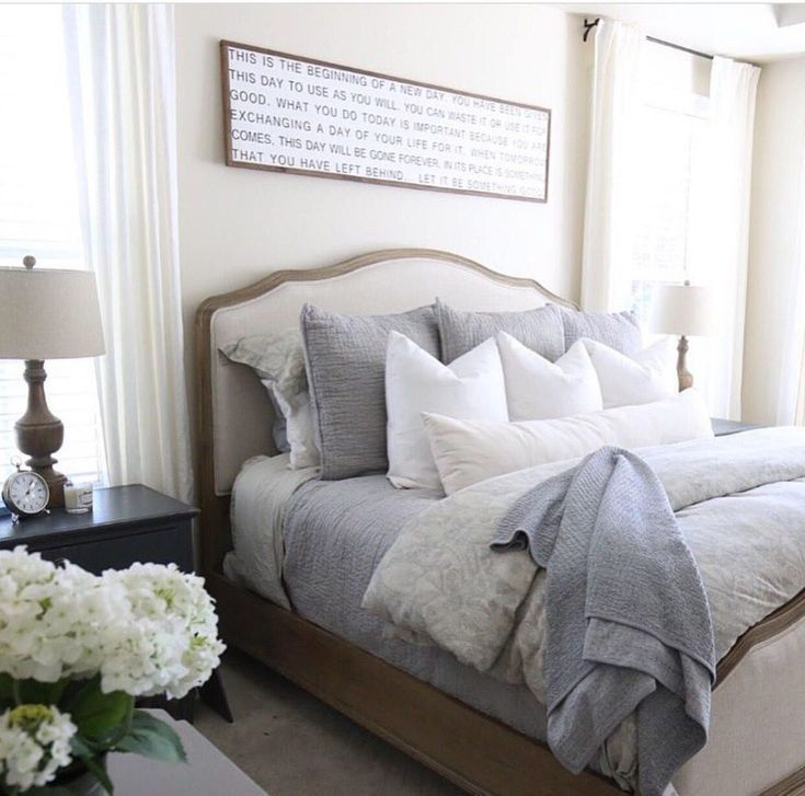 Modern Small Bedroom Design Ideas That Are Look Stylishly Space Saving31