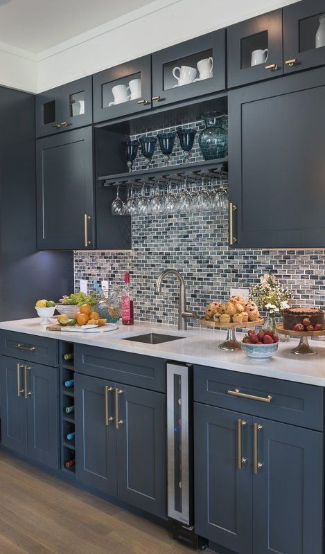 Affordable Kitchen Cabinet Design Ideas That Make Your Kitchen Looks Neat14