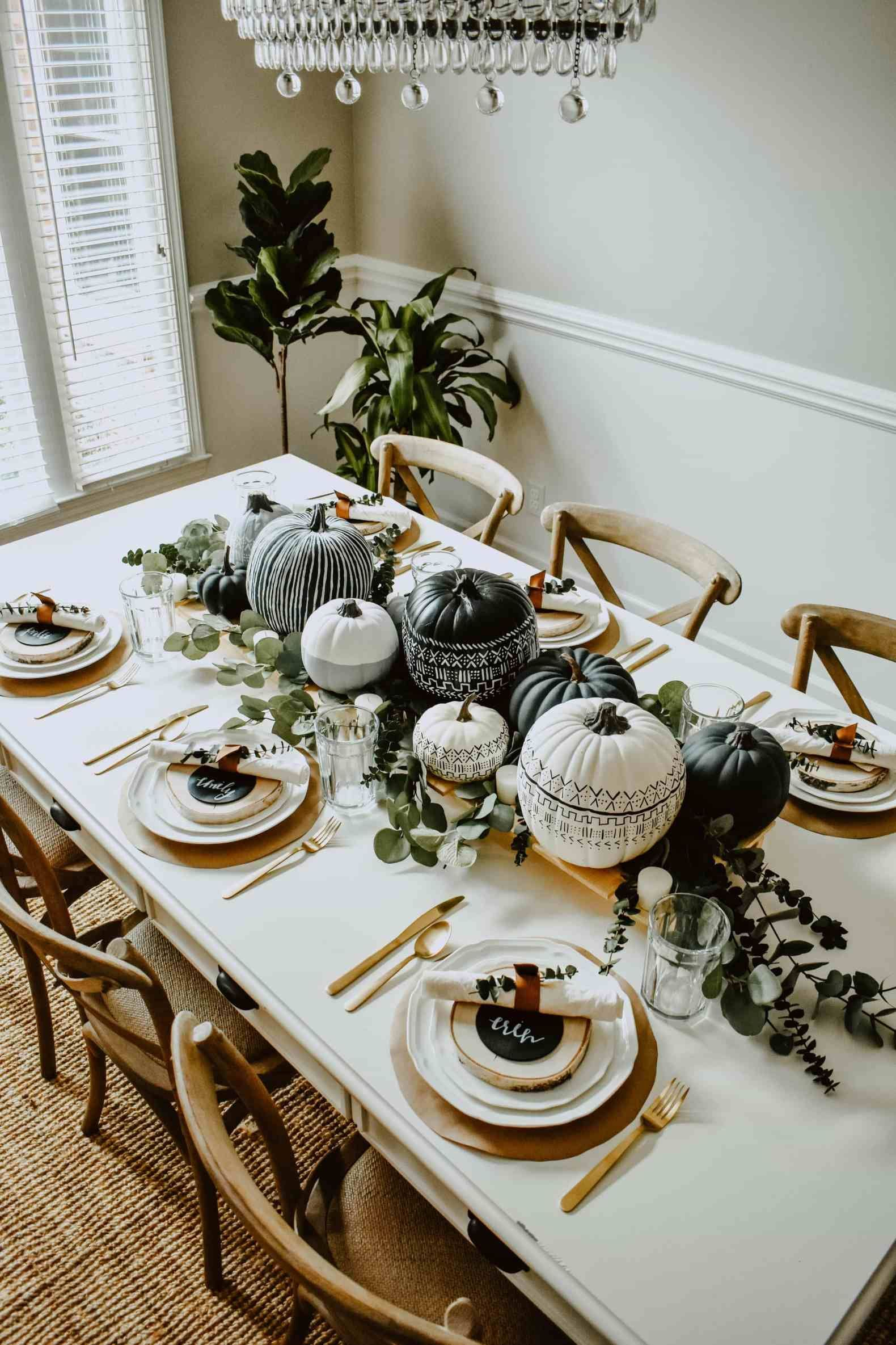 Amazing Thanksgiving Tablescapes Ideas For More Taste And Enjoyful03