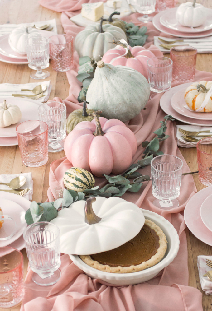 Amazing Thanksgiving Tablescapes Ideas For More Taste And Enjoyful15