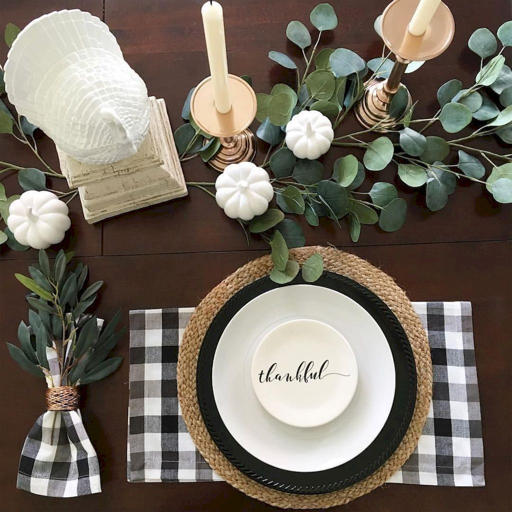 Amazing Thanksgiving Tablescapes Ideas For More Taste And Enjoyful23
