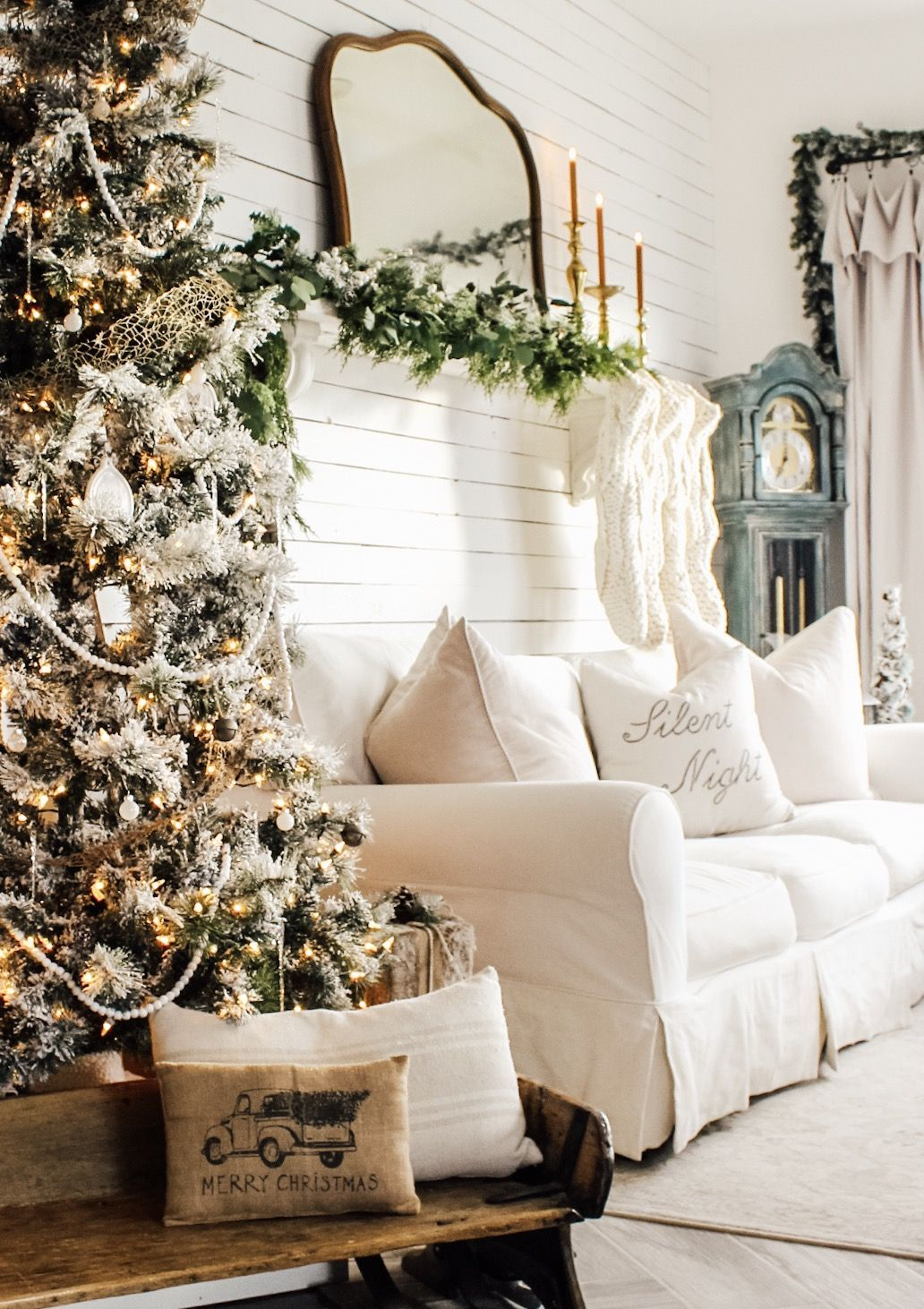 Hottest Farmhouse Christmas Decorations Ideas To Try Asap09
