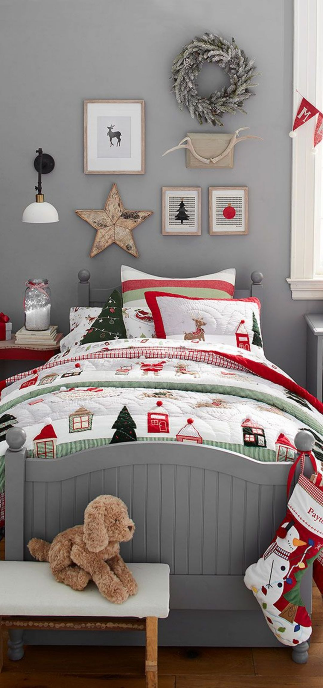 Latest Christmas Bedroom Decor Ideas For Kids To Try20