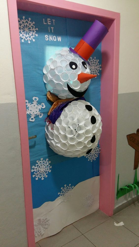 Newest Christmas Door Decoration Ideas You Must Try Right Now22