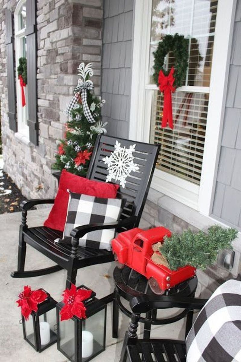 Trendy Outdoor Christmas Decorations To Copy Right Now03