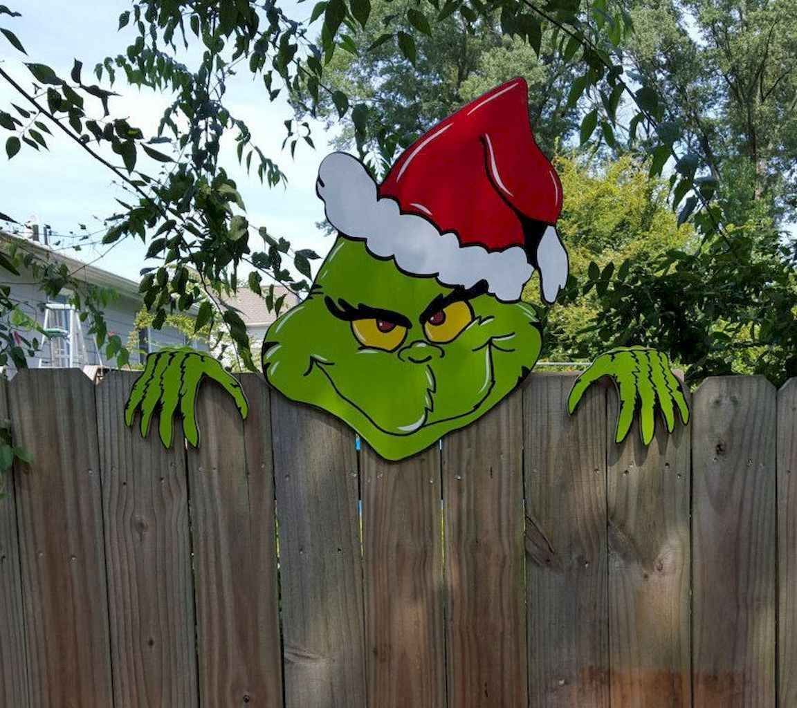 Trendy Outdoor Christmas Decorations To Copy Right Now08