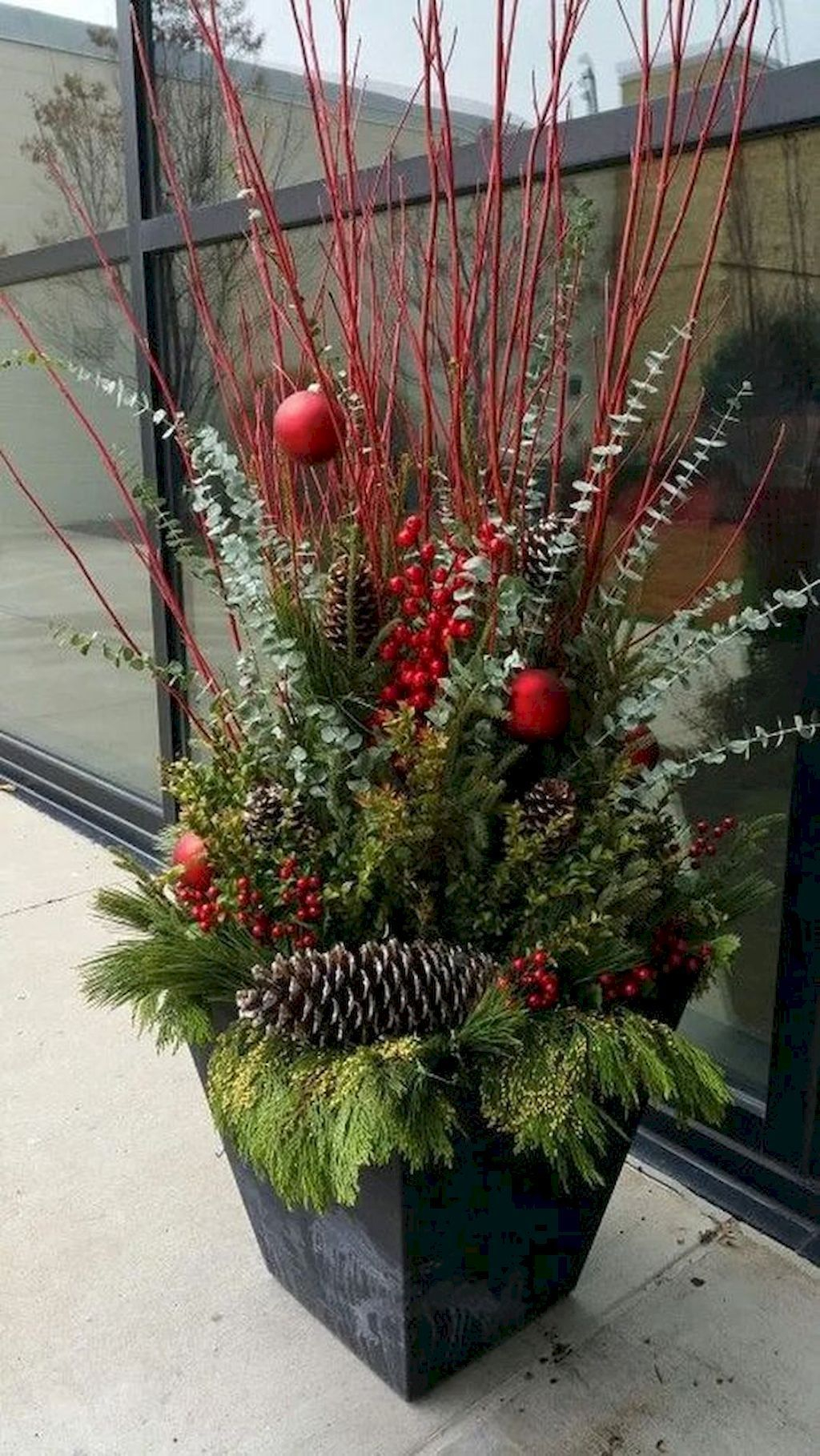 Trendy Outdoor Christmas Decorations To Copy Right Now31