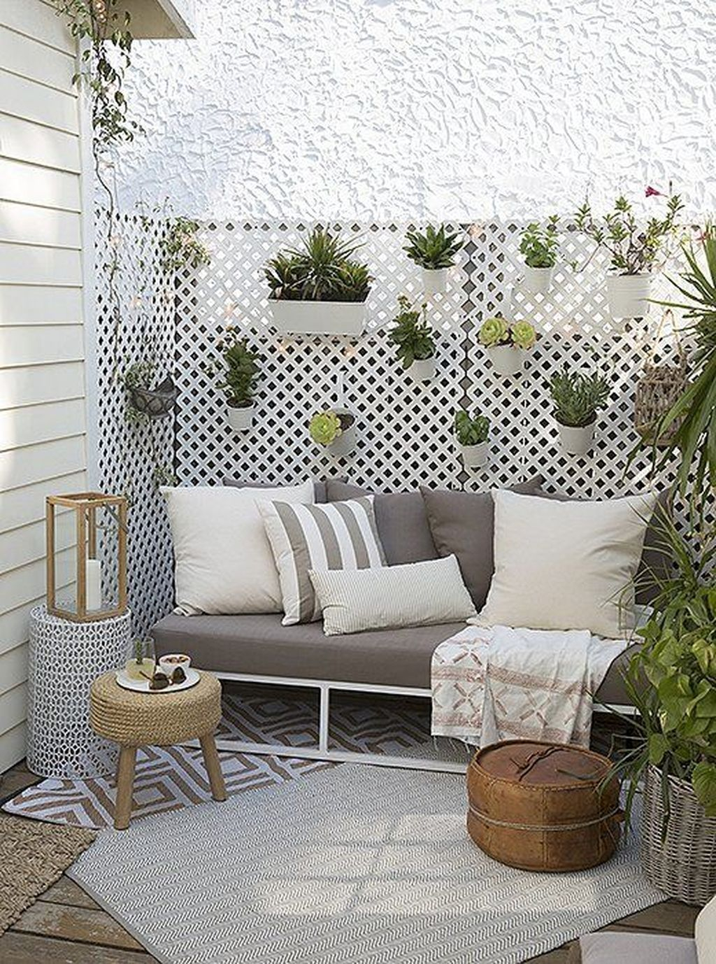 Inspiring Home Patio Ideas For Relaxing Places That Will Amaze You34