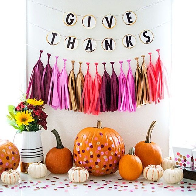 Unusual Friendsgiving Decor Ideas For Holiday Celebrating To Try03