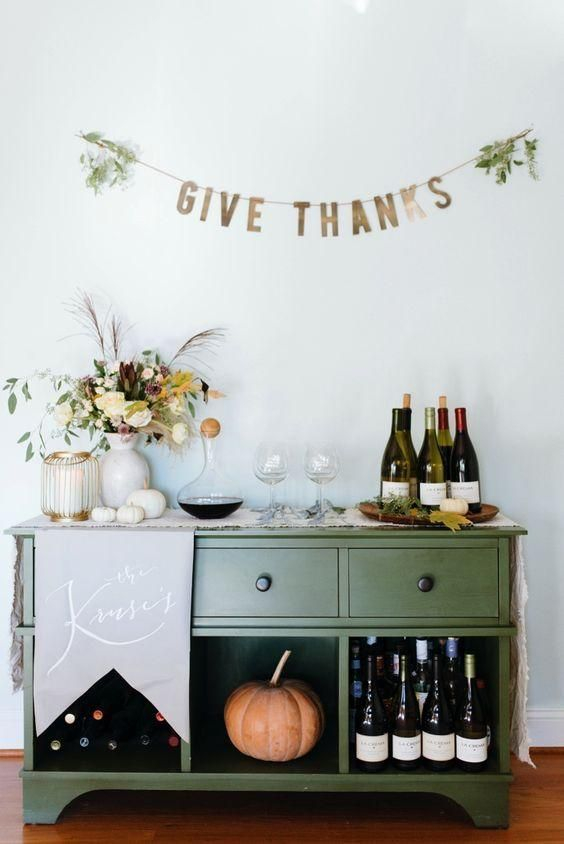 Unusual Friendsgiving Decor Ideas For Holiday Celebrating To Try13
