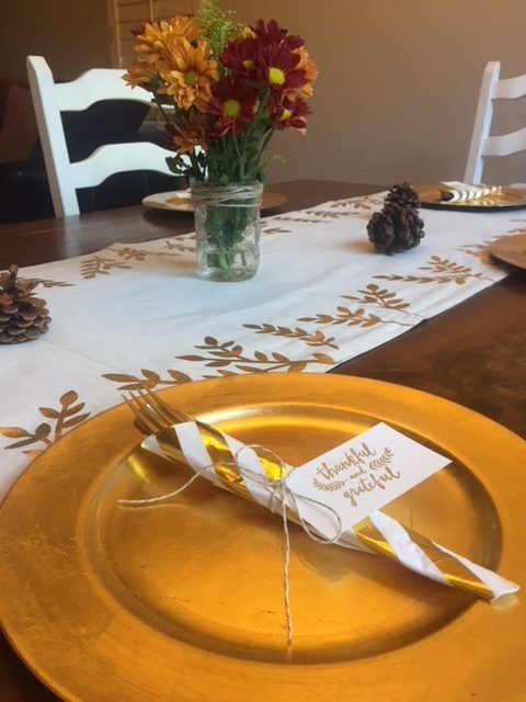 Unusual Friendsgiving Decor Ideas For Holiday Celebrating To Try31