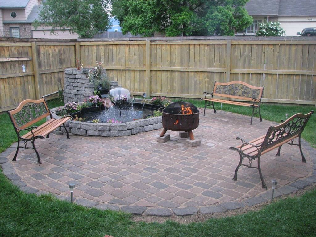 Best Patio Deck Design Ideas With Firepit To Make The Atmosphere Warmer20