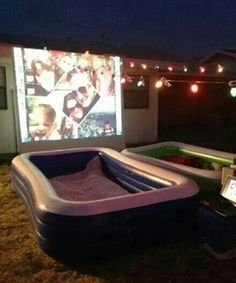 Chic Outdoor Home Theaters Design Ideas To Have Asap17