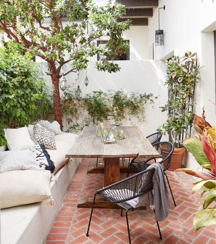 Wonderful Outdoor Living Room Design Ideas For Enjoying Your Days07