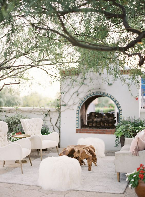 Wonderful Outdoor Living Room Design Ideas For Enjoying Your Days09
