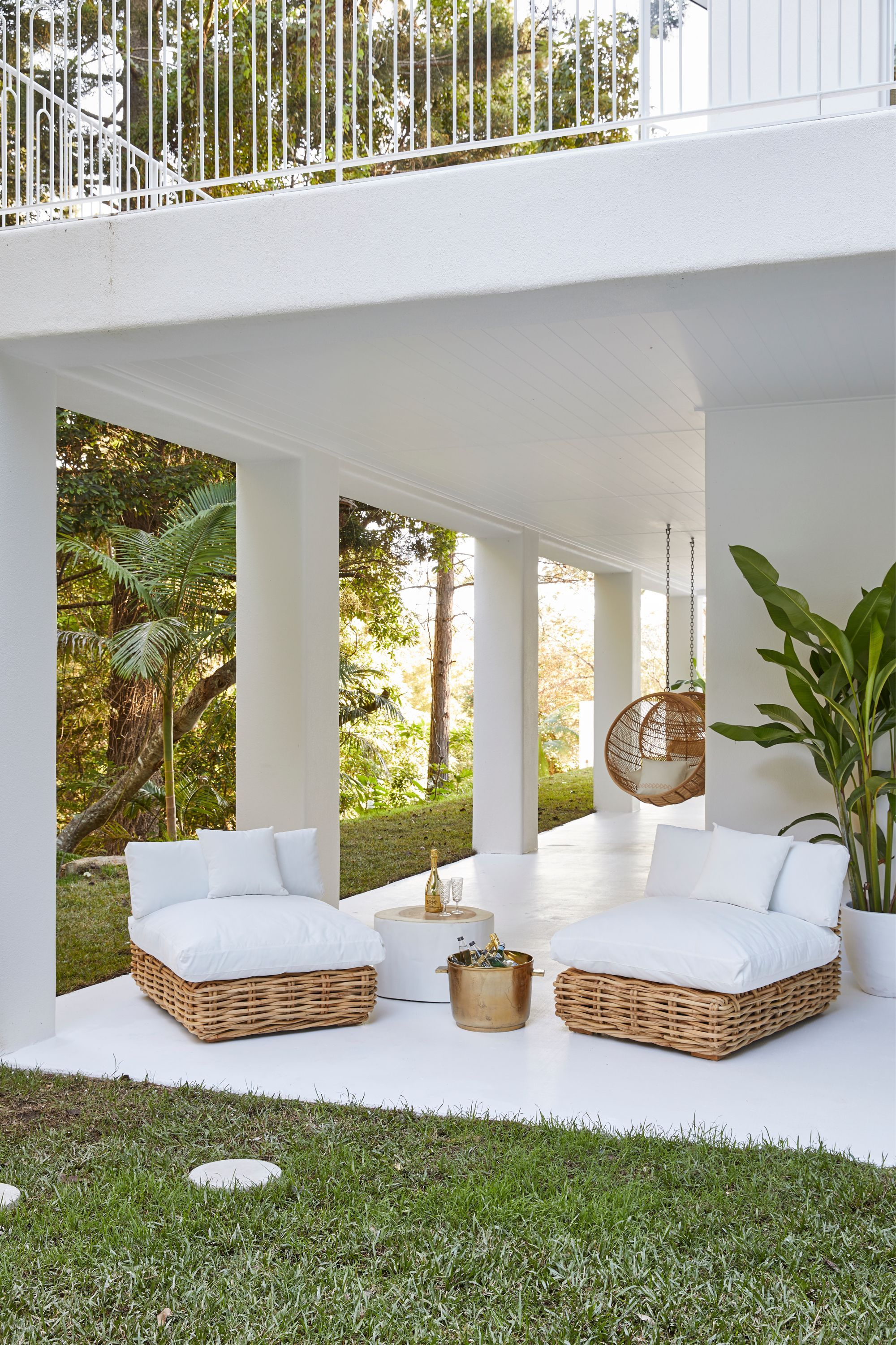 Wonderful Outdoor Living Room Design Ideas For Enjoying Your Days27