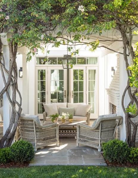 Wonderful Outdoor Living Room Design Ideas For Enjoying Your Days29