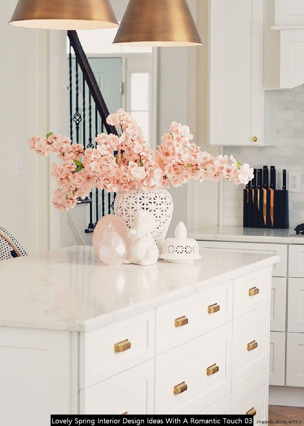 Lovely Spring Interior Design Ideas With A Romantic Touch 03