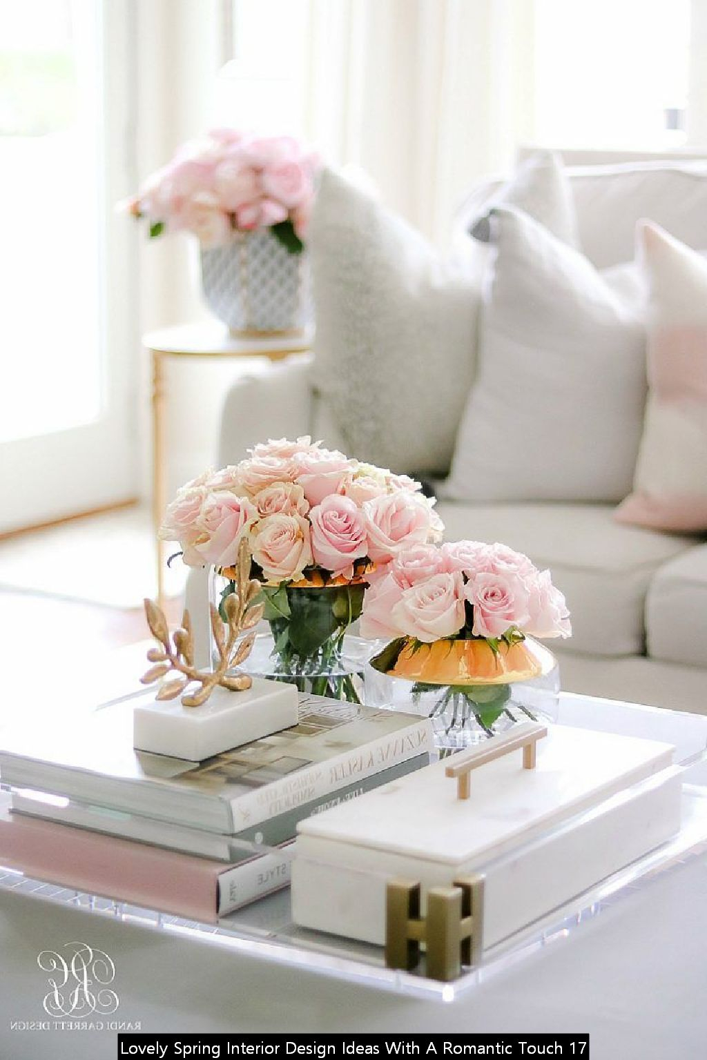 Lovely Spring Interior Design Ideas With A Romantic Touch 17