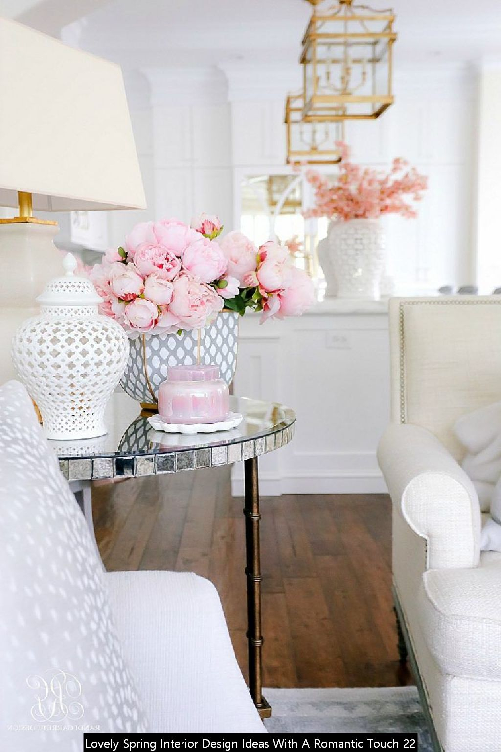 Lovely Spring Interior Design Ideas With A Romantic Touch 22