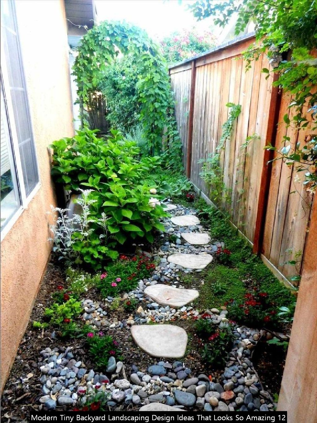 Modern Tiny Backyard Landscaping Design Ideas That Looks So Amazing 12