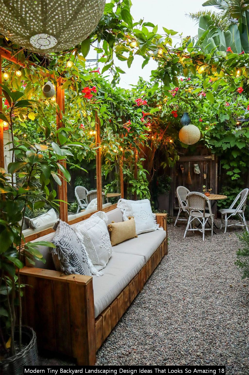 Modern Tiny Backyard Landscaping Design Ideas That Looks So Amazing 18