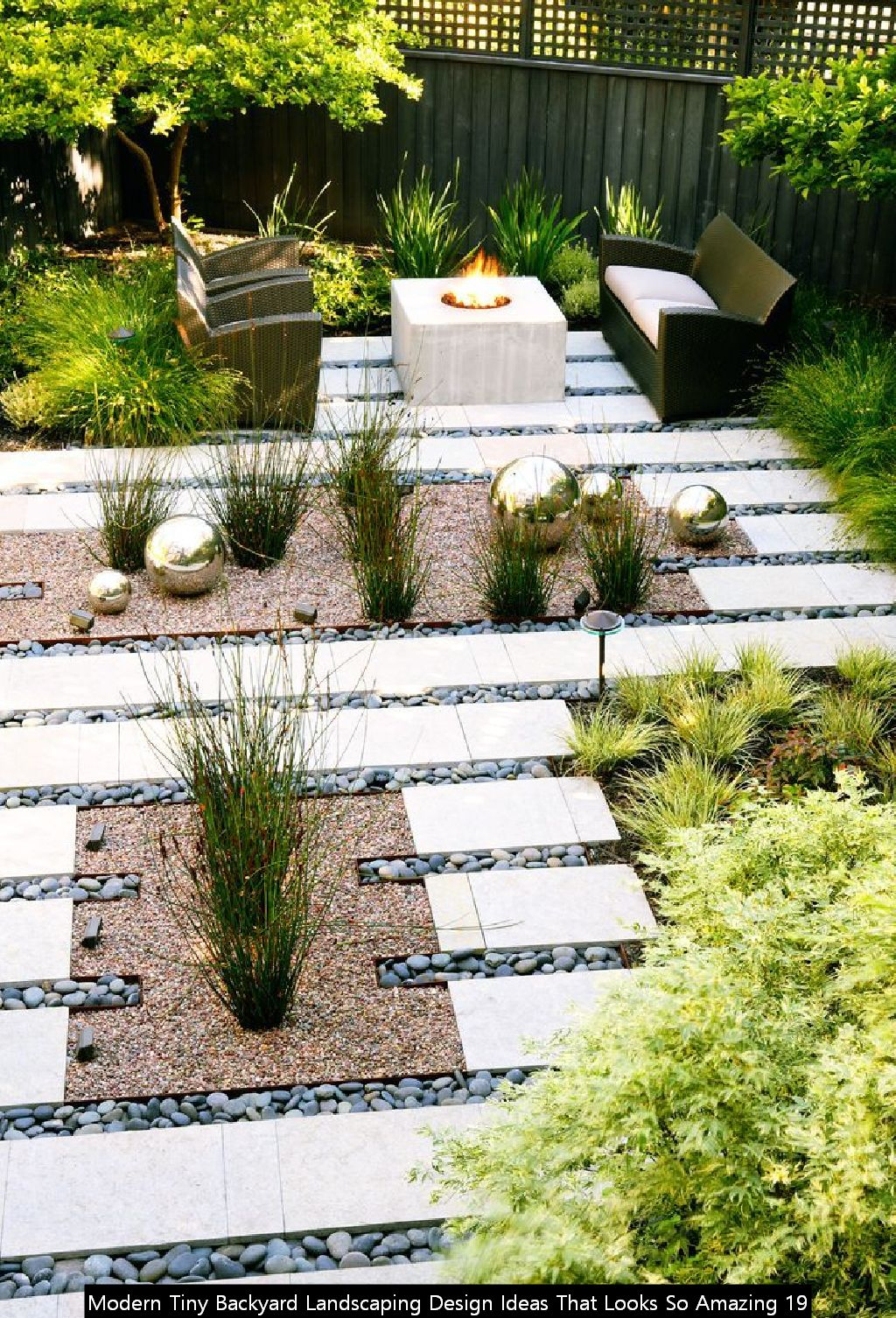 Modern Tiny Backyard Landscaping Design Ideas That Looks So Amazing 19