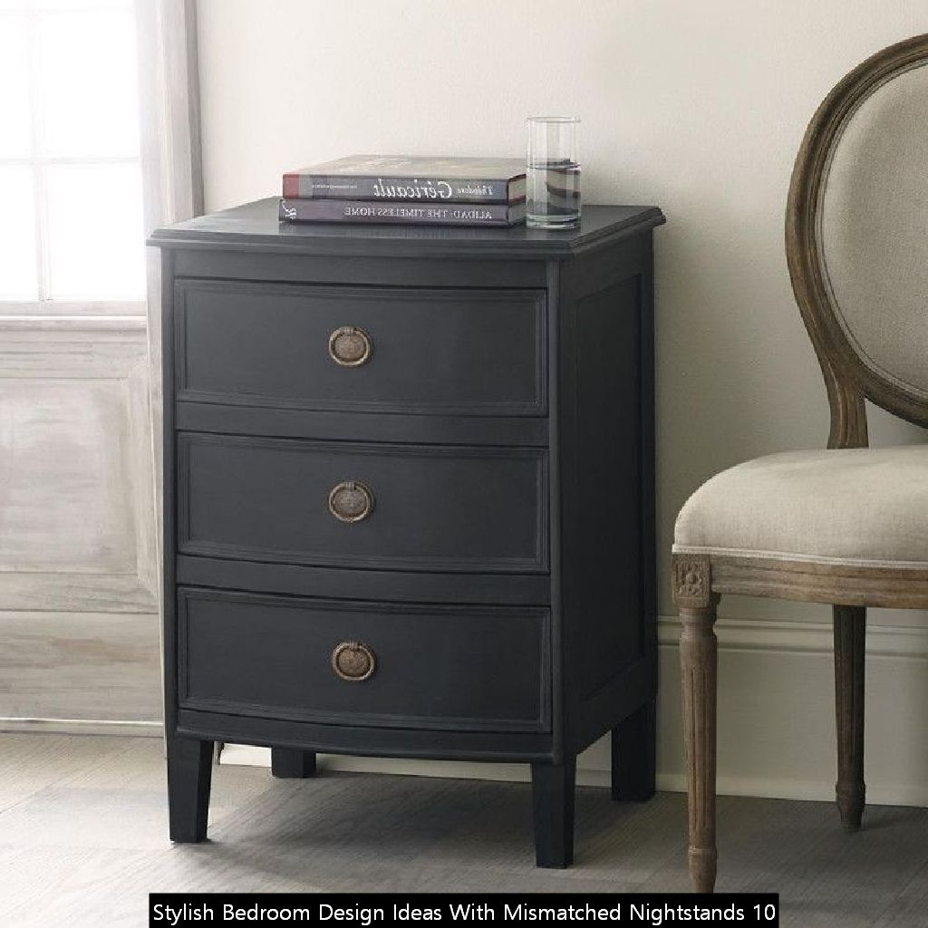 Stylish Bedroom Design Ideas With Mismatched Nightstands 10