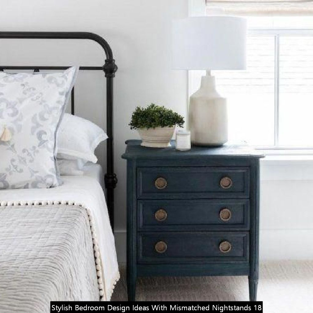 Stylish Bedroom Design Ideas With Mismatched Nightstands 18