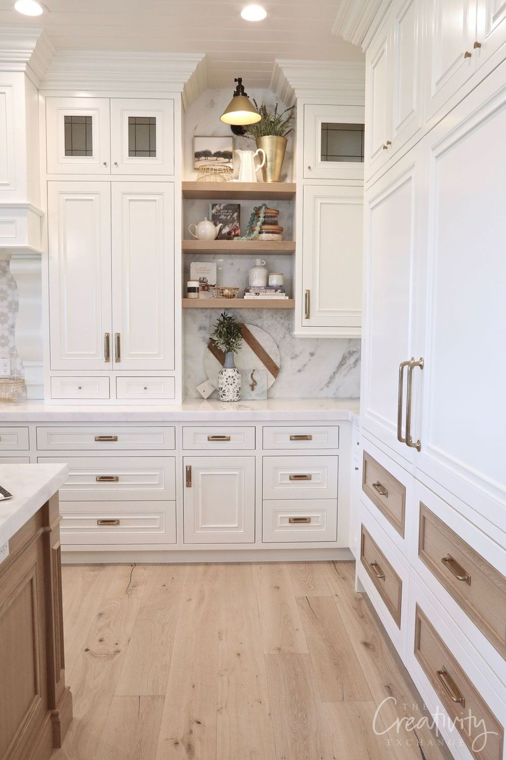 Top White Kitchen Cabinetry Design Ideas That Looks More Modern 06