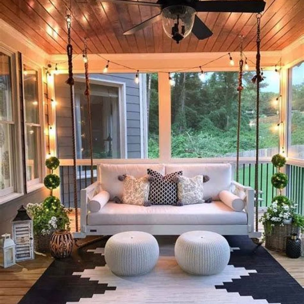 Beautiful Fall Farmhouse Decor Idea For Front Porch 15