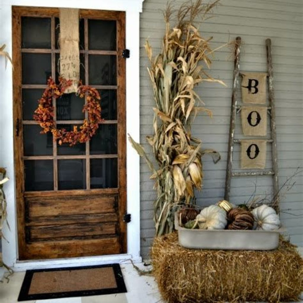 Beautiful Fall Farmhouse Decor Idea For Front Porch 24