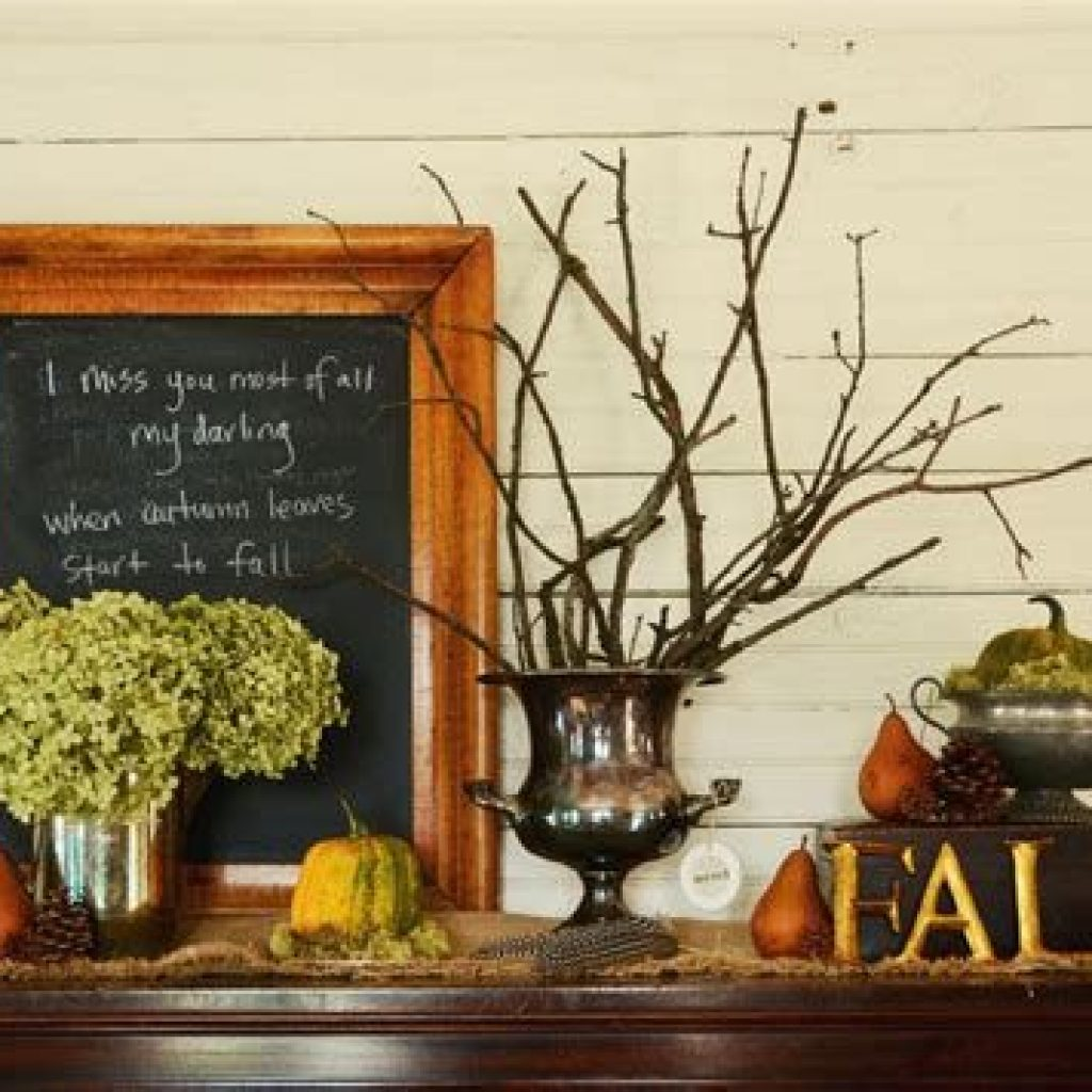 Cheap And Easy Fall Entryways Decoration For Your House 01