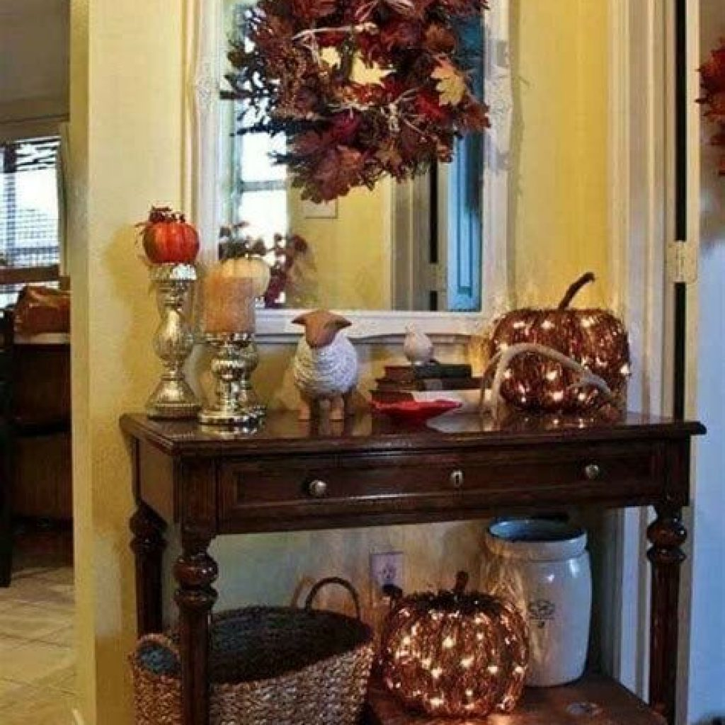 Cheap And Easy Fall Entryways Decoration For Your House 02