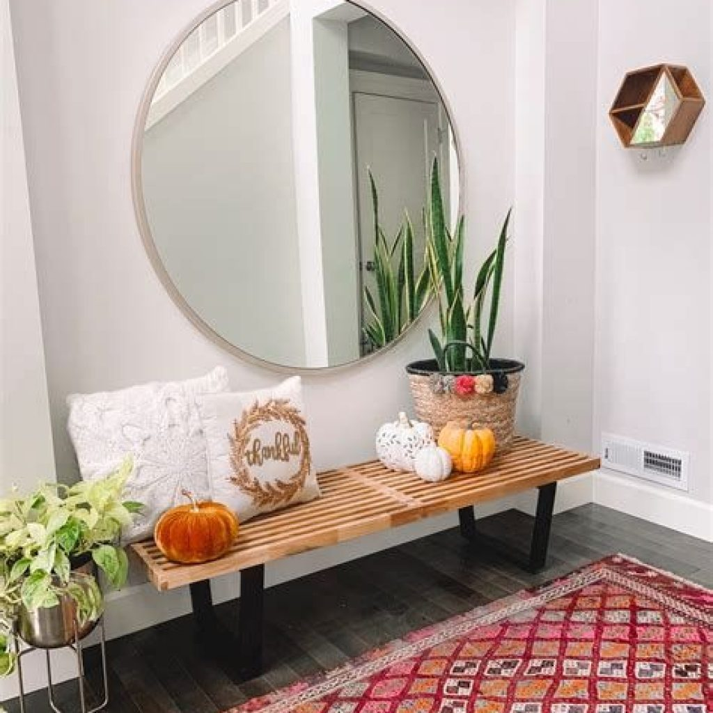 Cheap And Easy Fall Entryways Decoration For Your House 04
