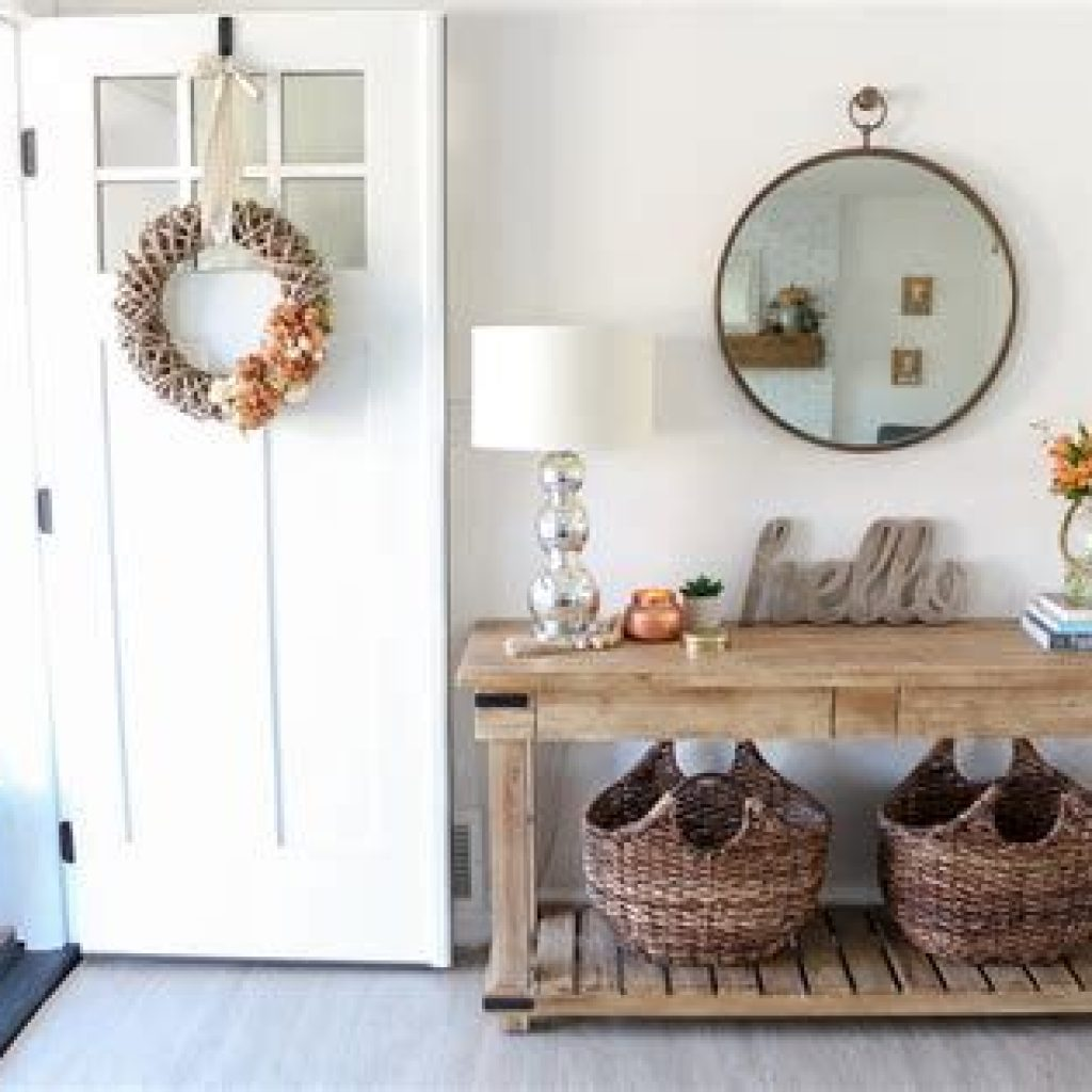 Cheap And Easy Fall Entryways Decoration For Your House 07