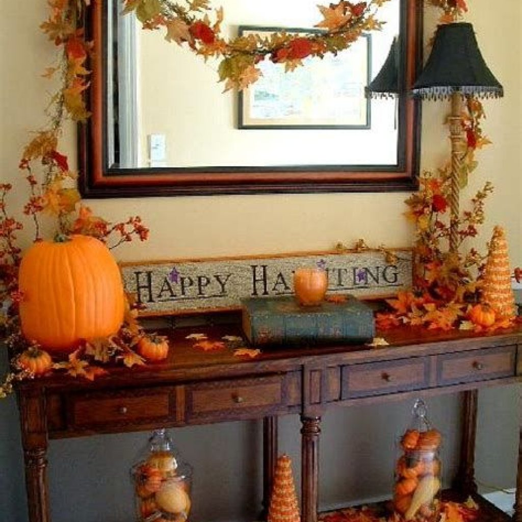 Cheap And Easy Fall Entryways Decoration For Your House 08