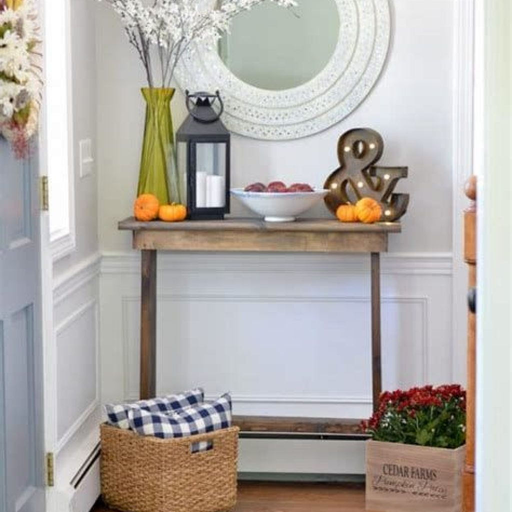 Cheap And Easy Fall Entryways Decoration For Your House 14