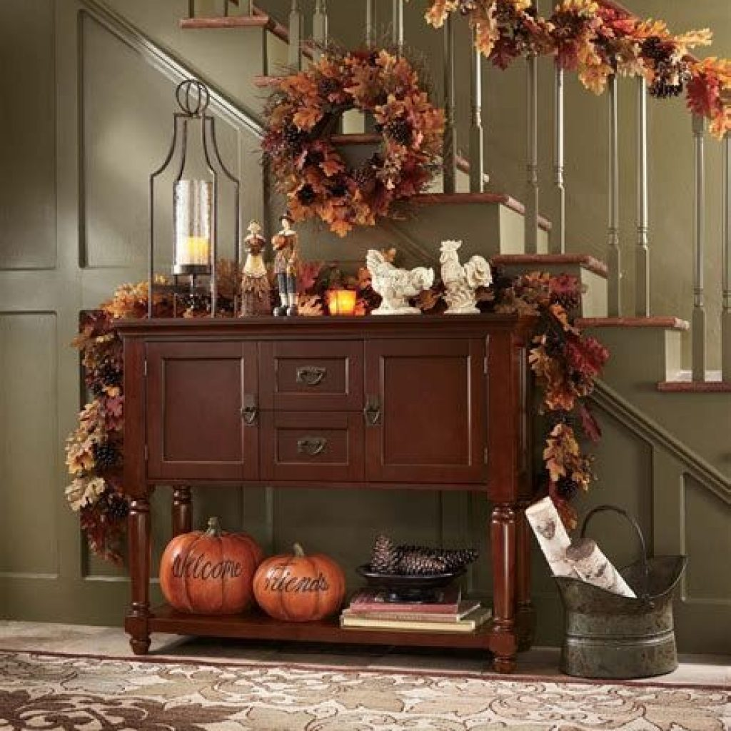Cheap And Easy Fall Entryways Decoration For Your House 18