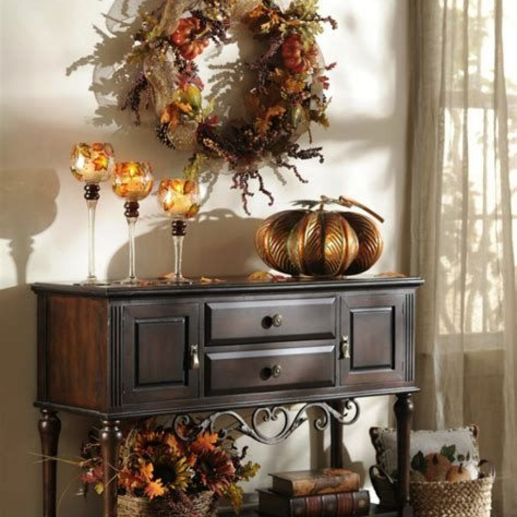 Cheap And Easy Fall Entryways Decoration For Your House 36