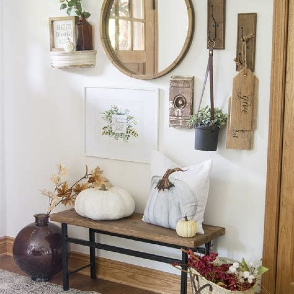 Cheap And Easy Fall Entryways Decoration For Your House 38