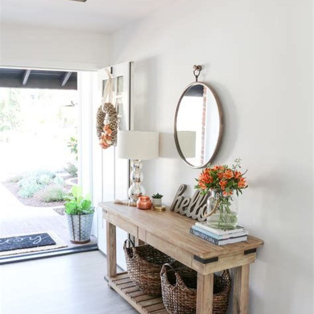 Cheap And Easy Fall Entryways Decoration For Your House 41