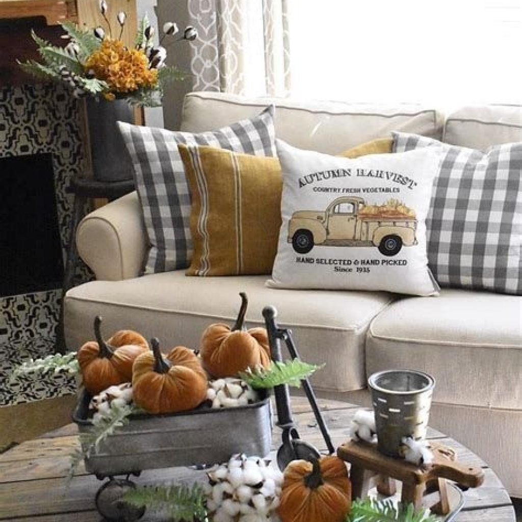 Creative Fall Decorating For Your Home Interior 34